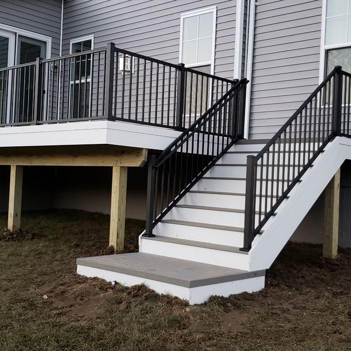 DJ Fence Builds Sturdy and Beautiful Decks